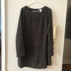 H&M Dot/ Speckled Printed Shift Dress